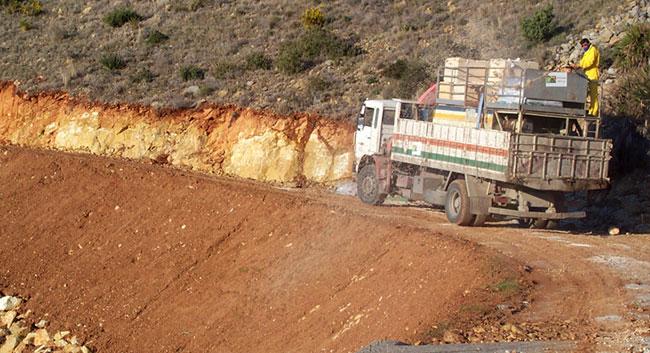 Mejora de terraplenes en pista forestal